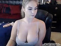 BBW chick on cam