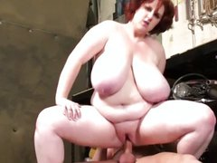 BIG GLAMOROUS WOMAN FUCKING
